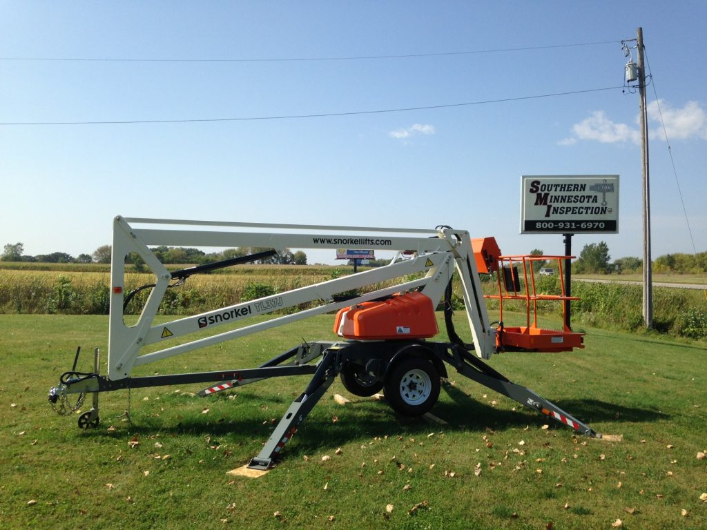 Aerial towable lift for sale
